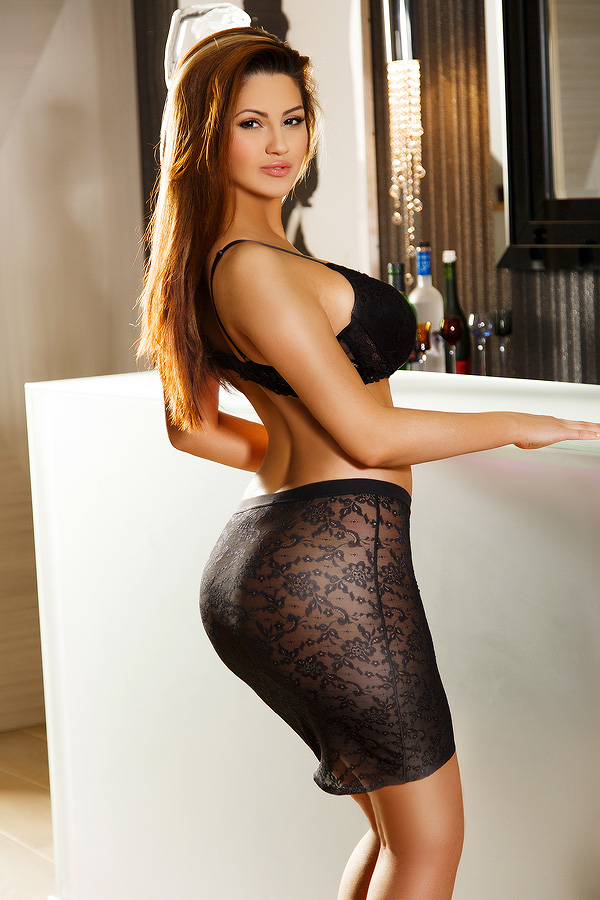 places to find escorts